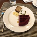 by far the best hotel buffet breakfast i've had in singapore: Edge.