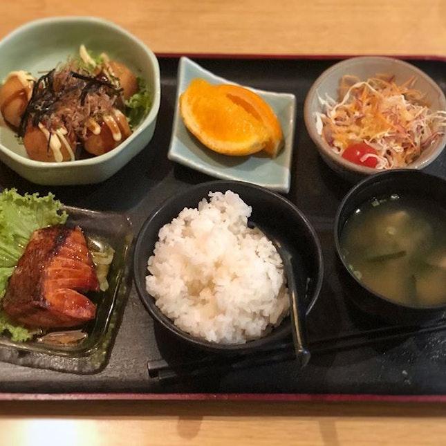 Jap mix-n-match set meal for brunch!