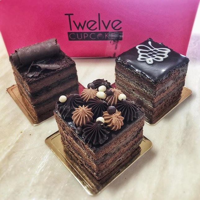 The week is coming to an end but the symptoms are still not going away🤒 When you crave for #chocolatecake but too weak to leave the house, a surprise delivery came knocking on your door🤗 #感恩