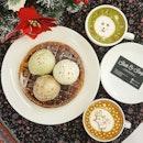 Shots and Scoops * Happy New Year🙏🙏 * Waffle w/ Triple Scoop Ice Cream ~ $12.6 (Premium Flavour) ~ Rum & Raisin ~ Roasted Pistachio ~ X'mas Fruit Cake * Thanks @damien_tc for the Lovely Cuppa ☕☕☕ * #shotsandscoops #premiumflavour #waffleicecream #sgfoodblog #sginfluencer #vscocam #vscofood #samsunggalaxys8 #exsgcafes #sgfoodies #jktfoodbang #thisisinsiderfood #exploresingapore #todayweexplore #tslmakan #burpple #8dayseat #dailyfoodfeed #thisisinsider #visitsingapore #singaporeinsiders #igfoodies #danielwellington #cliffyncheeze #tastemade #tastethisnext #eatfamous #sgfood #stylexstyle