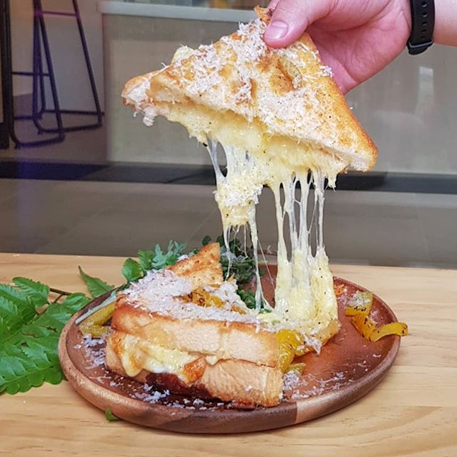 Grilled Cheese Toast ~ $10.0 * Incredible cheese toast that filled with 🧀!