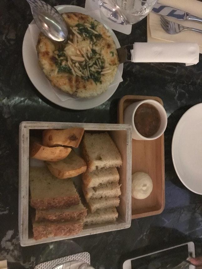 provoleta with bread