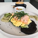 Salmon & Avocado Breakfast (RM26)