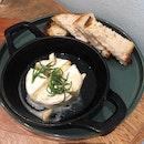 Baked Camembert w/ Garlic & Rosemary & Sourdough (RM24)