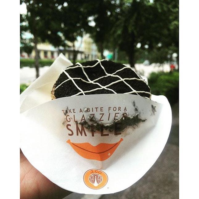 Dessert on the go 💨  #oreocheesecake #takawproblems #hungrygowhere #burpple #belleyeats