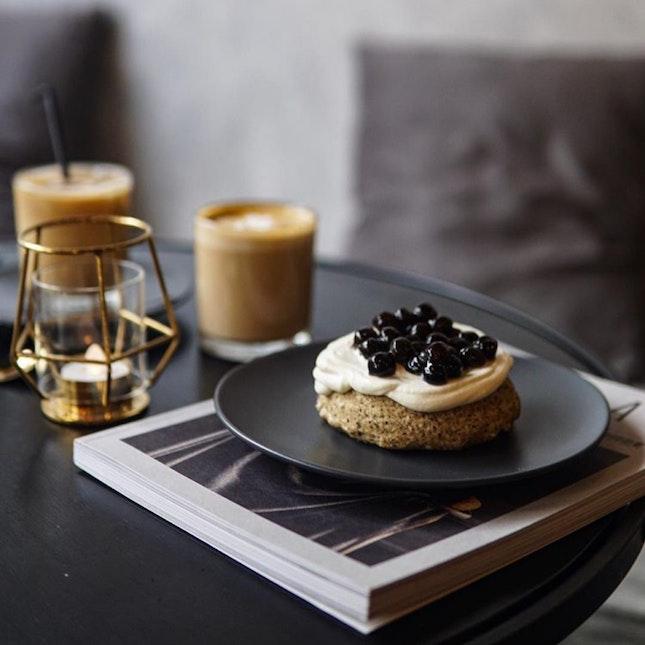 FRENCH EARL GREY CUSTARD BOBA MILK TEA CAKE