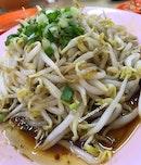 Restoran Lou Wong Tauge Ayam Kuetiau (老黄芽菜鸡沙河粉)