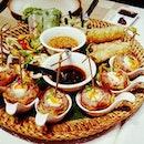 😋: Delightful platter of Vietnamese small-bites..