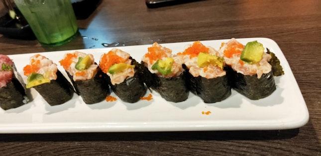 Mayo Salmon, Avocado & Tobiko Sushi