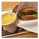 Waygu beef cheese burger & corn soup