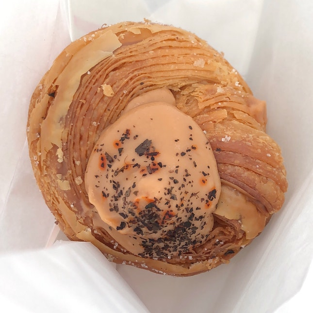 Thai Milk Tea Mochi Cruffin
