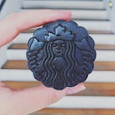 I first tried a mooncake, also from Starbucks, in 2007 when I was 19 years old.