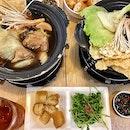 Singapore food hunt 📌 [Bugis, Singapore 🇸🇬]👇🏻#oneadayinSG —————————————————— ✔️ Pork Ribs Bak Kut Teh, S$10.90 / S$14.90 (Set) ✔️ Premium Pork Ribs Bak Kut Teh, S$12.90 / S$16.90 (Set) .