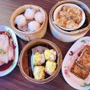 Singapore food hunt 📌 [Aljunied, Singapore 🇸🇬]👇🏻#oneadayinSG ——————————————— ✔️ Steamed Rice Roll with Shrimp, S$4.20 ✔️ Lean Pork Porridge & Century Egg, S$5.80 ✔️ Pork Dumpling, S$4.20 ✔️ Shrimp Dumpling, S$4.20 ✔️ Beancurd Roll with oyster sauce, S$4.20 .