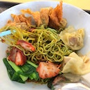 Finally gotten the chance to try Cho Kee Noodle (located at Old Airport Road Hawker Centre).