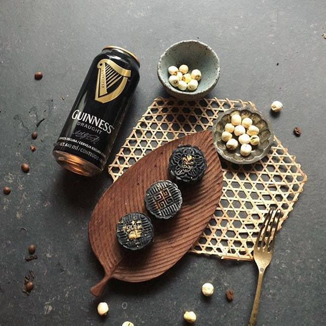 Last weekend, I have attended the Guinnesss Mooncakes making workshop at Culinaryon.