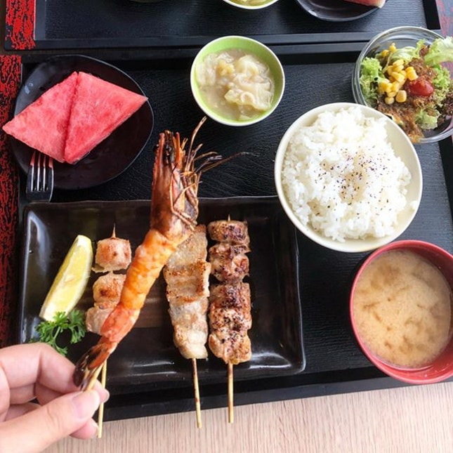 Recently, I have tried a simple yet tasty Japanese grilled mixed meal at Shin Kushiya Singapore.