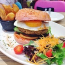 Eggs & Berries colour burgers, allows you to mix and match the buns (green, yellow, pink & black) and the patty.