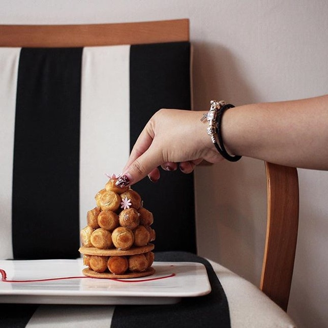 Missing this mini tower profiteroles, Pièce Montée [$13.80] from their new spring dessert collection.