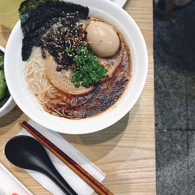 If you like strong flavours (and garlic), this Black Garlic Ramen [$14.9]; filled with charred garlic in every mouthful would be an ideal bowl of ramen.