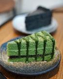 Matcha Cake vs Goma Cake.