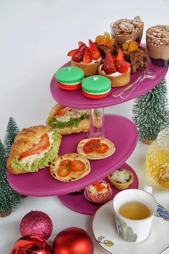 Have a special sweet and savoury treat accompany by tea for this coming Christmas at @dear.nesuto .