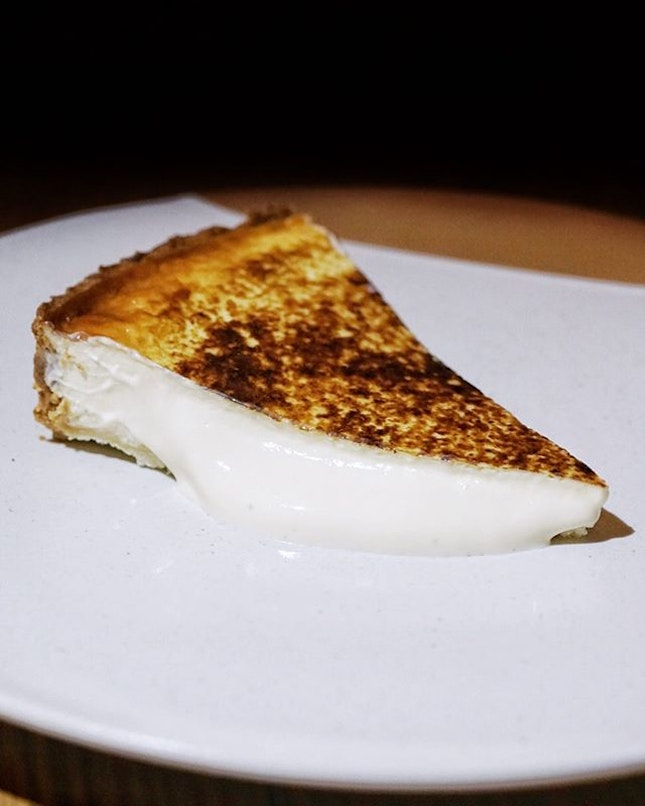 Olivia's Creamy Homemade Cheesecake from @oliviarestaurant_sg is a must item to order when diners dine here.