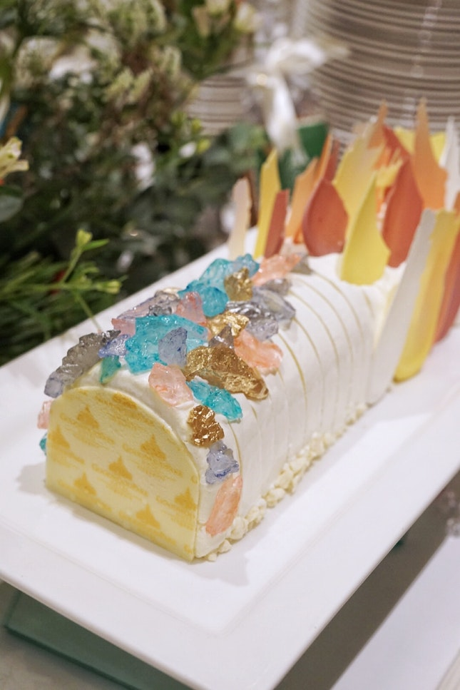 @goodwoodparkhotelsg , presents enchanting festive sweet for takeaway this year, such as :.