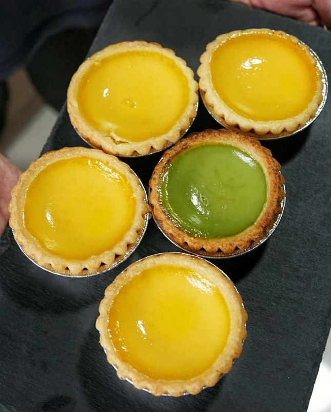 Tea break with egg tart from @taicheongsg.