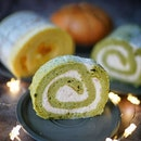 Sweet treats from @jooooostina (Thank you justina 🥰 )  from  Morimori Yogashi.