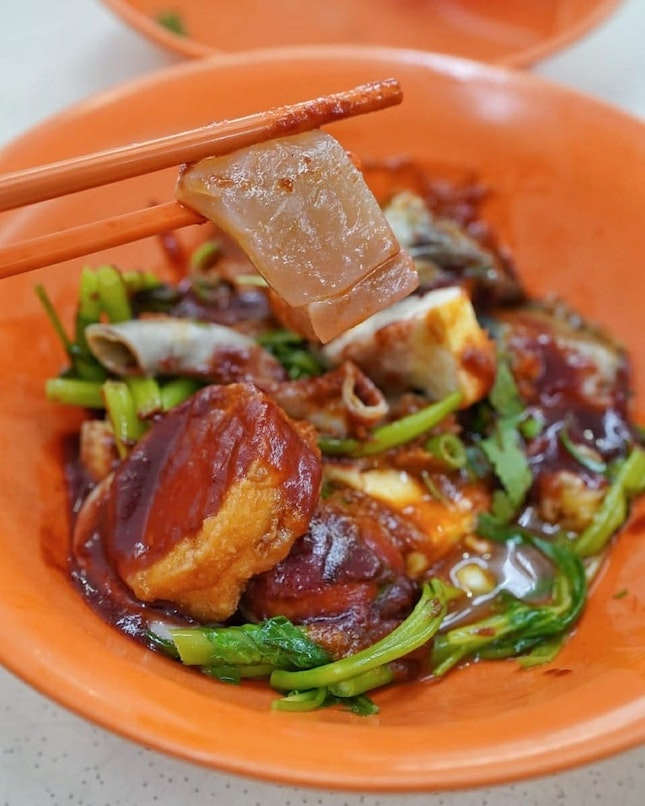 First intention was having prawnmee, but after seeing many people queue at this stall, after my prawn mee (yes, I able to eatthe second bowl🤣).