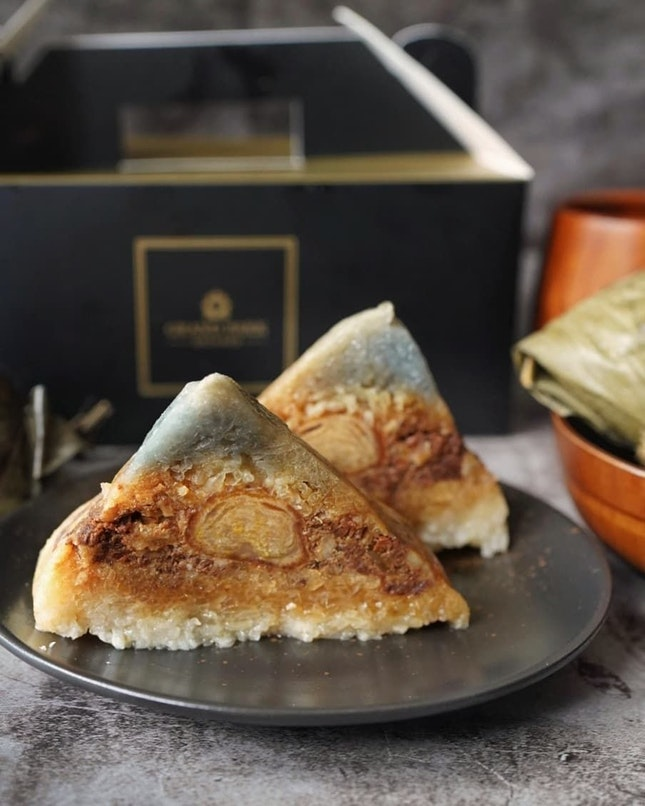 5 more days to Dragon Boat Festival, have you buy your rice dumplings? @mitzosg is offering a trio of rice dumplingshandcrafted with lavish ingredients