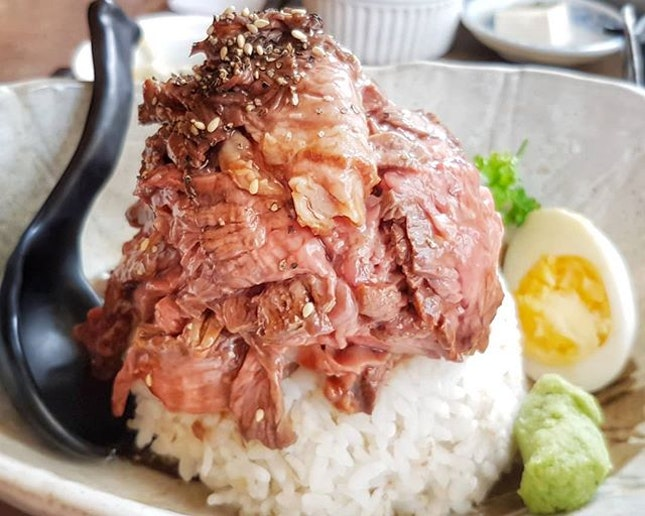 Value reigns supreme with this generous mountain of juicy beef.