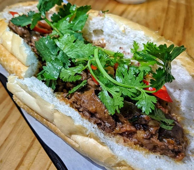 Relaxed little place that specialises in Banh Mi.