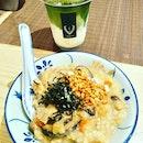 Hvala at Chjimes,having Mushroom Medly Porridge and Iced Matcha Latte.