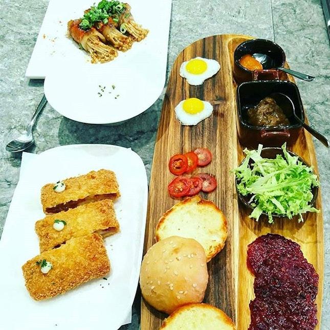 Having a Delicious Bakkwa Dinner at Bee Cheng Hiang Grillery at Serangoon.