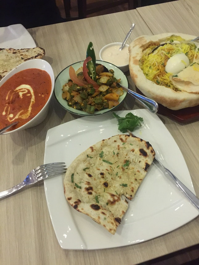 WB craved for Indian Food so here we are. Unique Biryani With prata but too spicy for me.