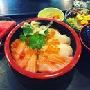 Weekday Lunch Set: Requested to changed the tuna in the chirashi to half salmon half swordfish.