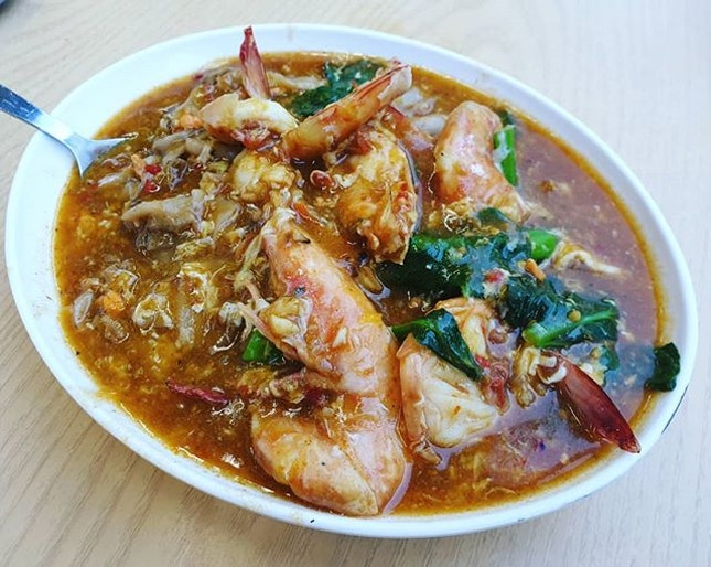 Big Prawn Hor Fun - S size ($18) 😊 + Big Prawn Bee Hoon - S size ($18) 😊 + Claypot Yong Tau Foo - S size ($15) 😊: All very nice but very oily and has a lot of MSG.