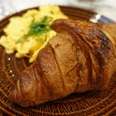 Croissant With Creamy Scrambled Eggs