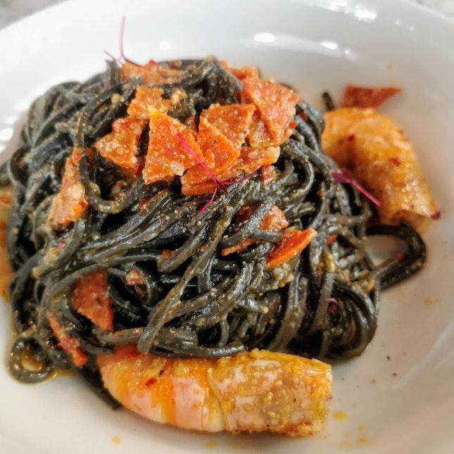 Aglio Olio (w/ Squid Ink Pasta)