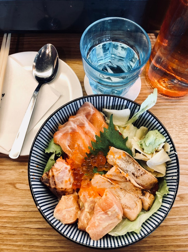 Salmon With Salad Base