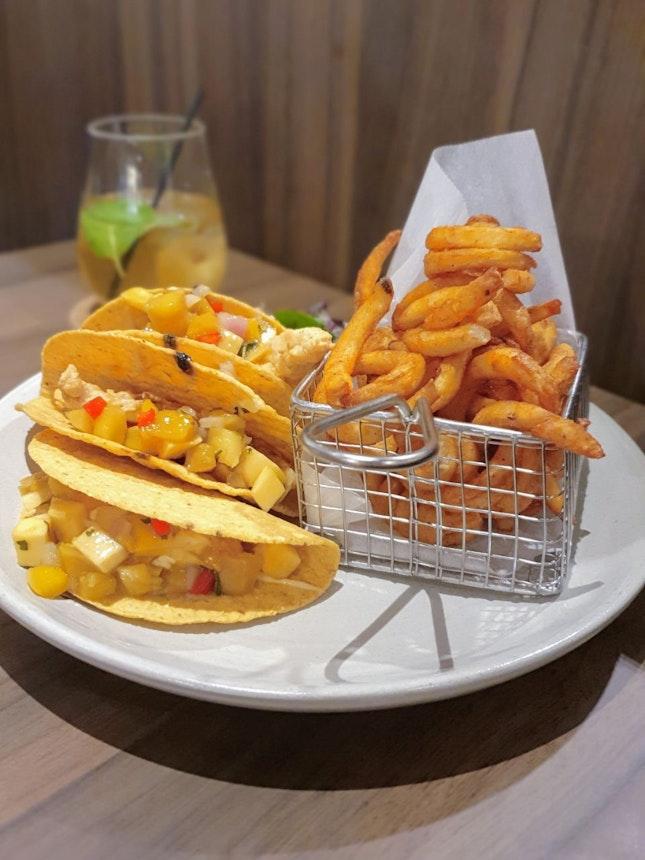 Crispy Fish Tacos ($23) 🌮 7/10