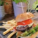 Knots beef burger ($20.90) 🍔 8/10