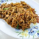 This better known fried kway tiao is located next to my block in #Sengkang.