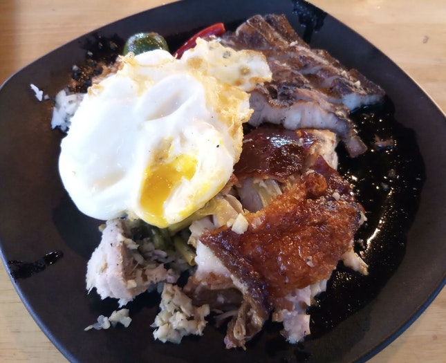 Double Sampler - Lechon (Pork belly) + Sinugbang Boboy (Pork marinated in lime with special ingredients and grilled to perfection, Grilled pork belly; $11), Half rice ($0.50), Egg ($1) 23/08/19
