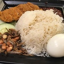 We love the sambal from @cravenasilemak It's the best meal right before we leave Singapore for a non-Asian country!