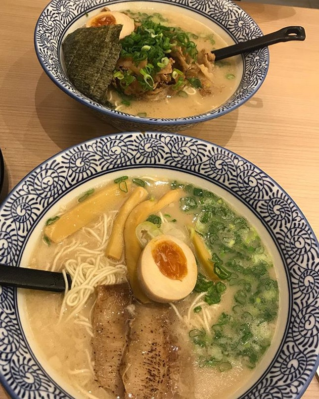Dinner at So Ramen @soramensg with our orders of Toroniku Tonkotsu and Pork Yakiniku Tonkotsu.