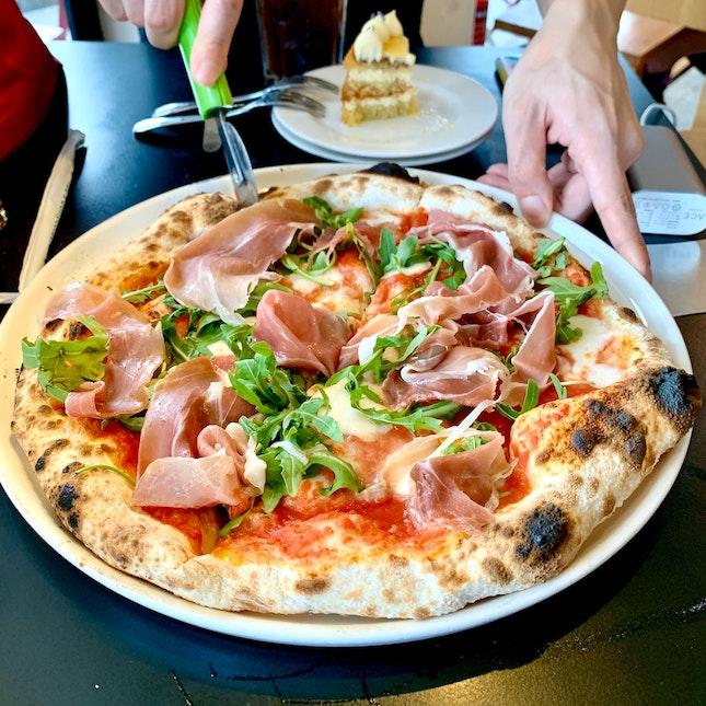 Tomato Sauce   Mozzarella   Parma Ham & Rocket