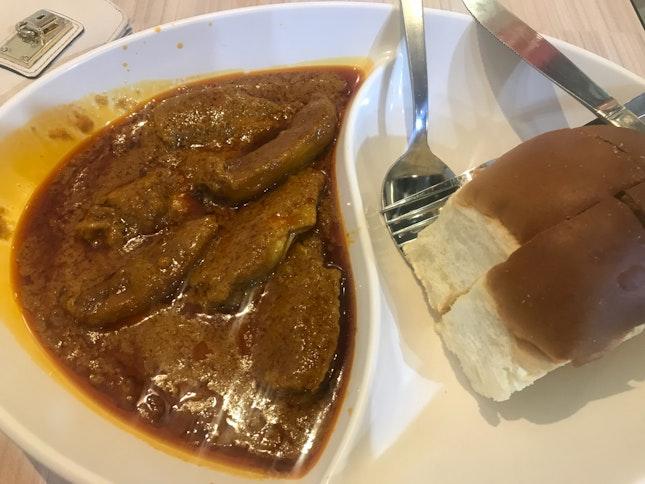 Chicken Curry With Softbun